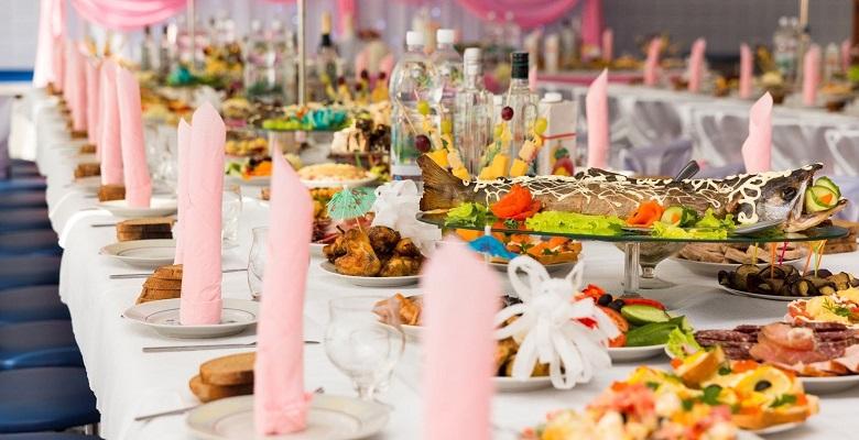 Свадебный стол: правила декора