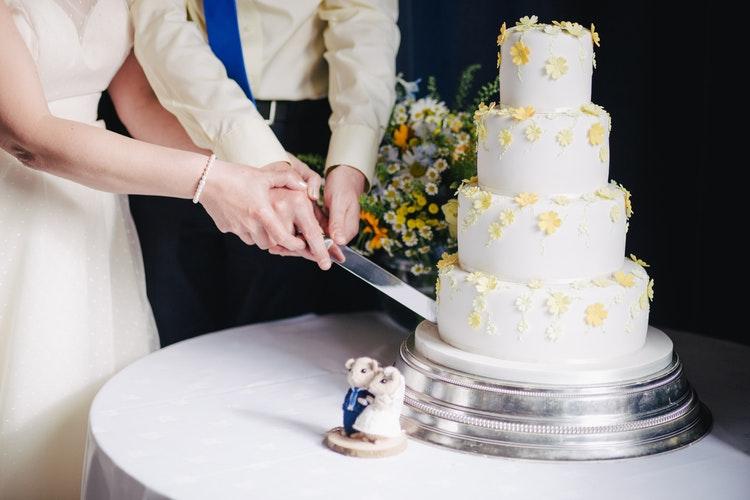 Как выбрать торт для зимней свадьбы?