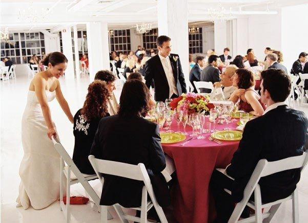 По какому принципу организовать рассадку гостей на свадьбе?