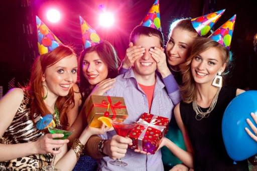 Десять причин отметить день рождения в ресторане