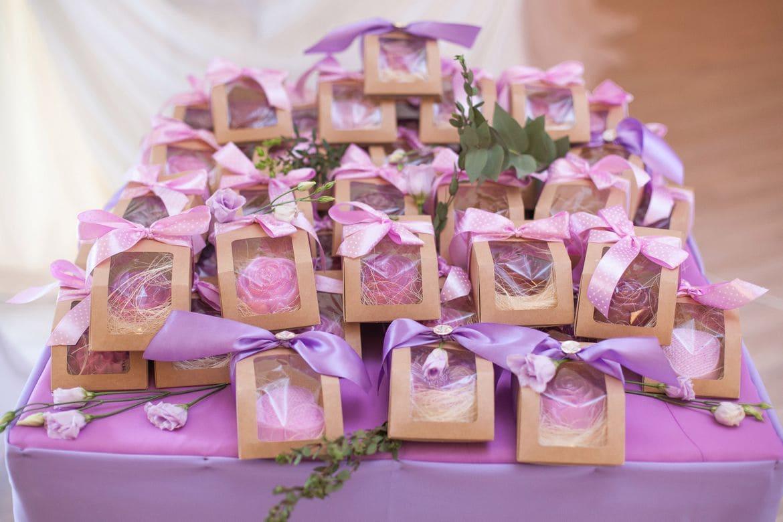 Пять идей для подарков гостям свадьбы