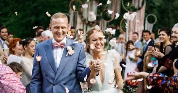От чего не стоит отказываться даже на скромной свадьбе